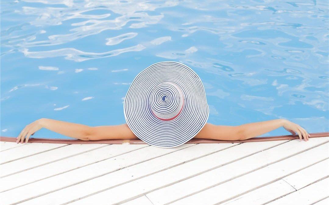 Photo woman in pool by Florida Screen Repair blog article